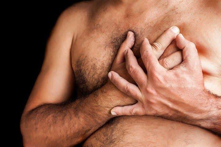 Ung thư vú ở nam giới là bệnh ác tính nên bạn không được chủ quan