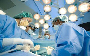 Tìm hiểu các phương pháp phẫu thuật ung thư đại tràng phổ biến nhất hiện nay
