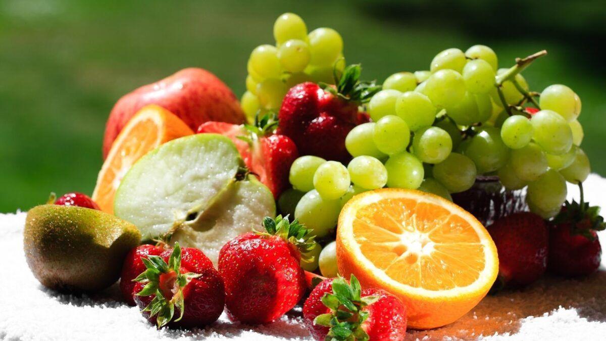 Trong chế độ ăn cho người ung thư gan nên ăn nhiều trái cây tươi