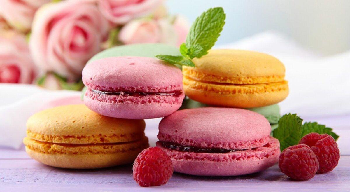 Khi bị ung thư buồng trứng, người bệnh nên tránh ăn những thực phẩm ngọt
