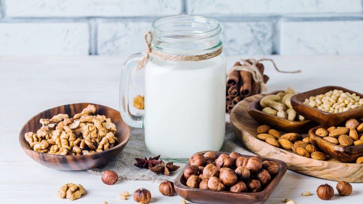 Người có tiền sử mắc bệnh tiểu đường nên uống sữa hạt ít ngọt