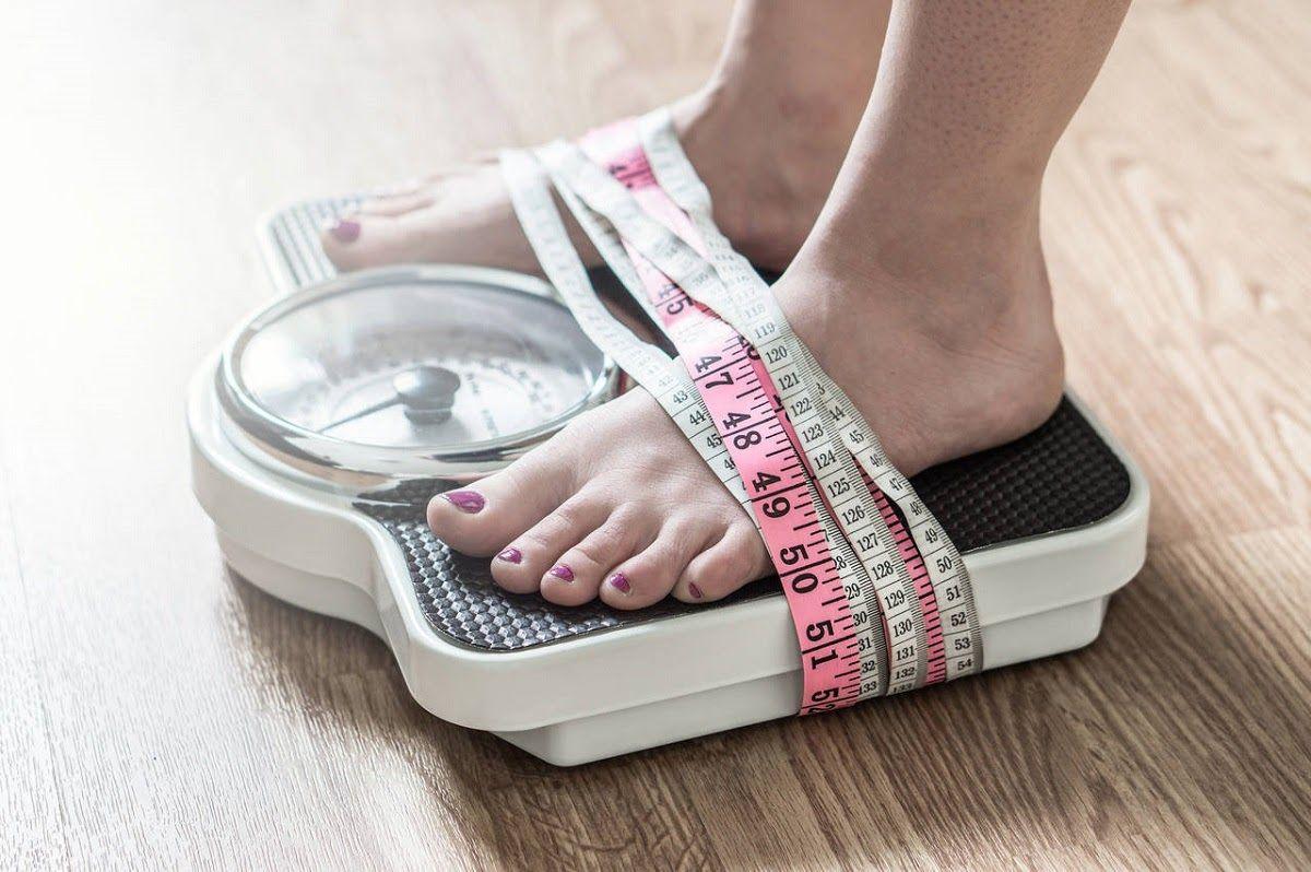 Sụt cân là một trong những triệu chứng của ung thư đại tràng