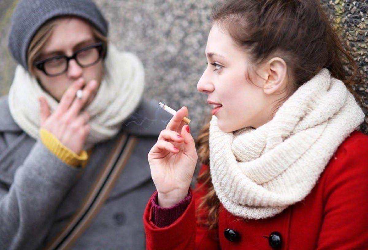 Hút thuốc lá, tác nhân gây tăng nguy cơ mắc bệnh ung thư cổ tử cung