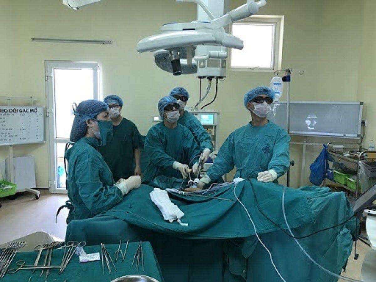 Phẫu thuật là một trong những phương pháp điều trị ung thư đại trực tràng