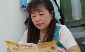 Nụ cười của người phụ nữ vượt qua ung thư buồng trứng