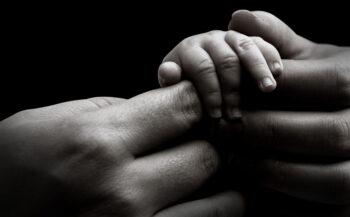 Cô gái chiến đấu với ung thư khi đang mang thai