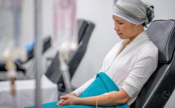 Tác dụng phụ của hóa trị thường gặp khi điều trị ung thư
